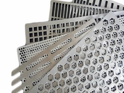 Six perforated plates with different hole patterns arranged from bottom to top: rectangle, rectangle, square, round, slot and hexagonal.