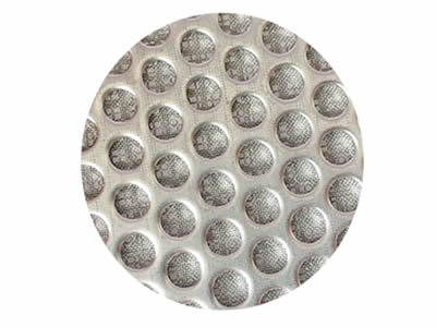 There is a sintered stainless steel wire  mesh filter disc.